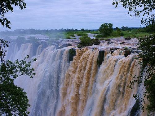 Victoria-Falls-in-Zimbabwe