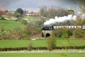 enjoy-the-views-of-the avon valley steam railway