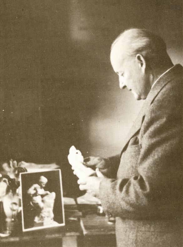 Dr Maurice Nicoll